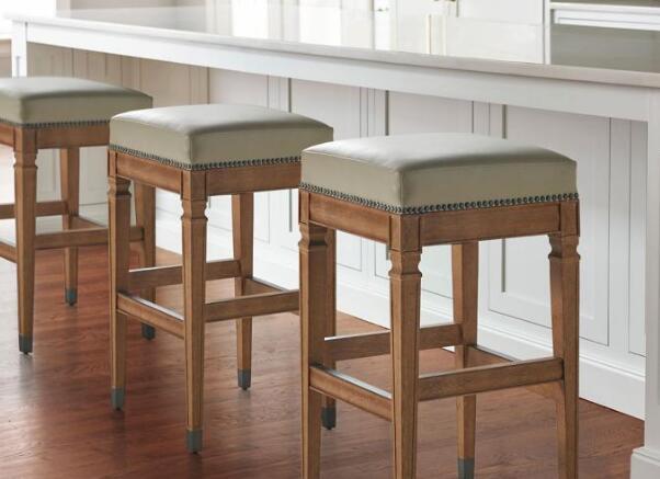 bar stools average height