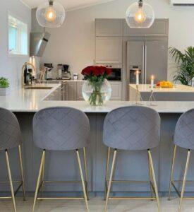 choose the breakfast bar stools