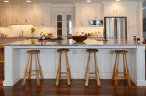 how to choose backless bar stools