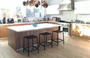 squre wooden counter bar stools