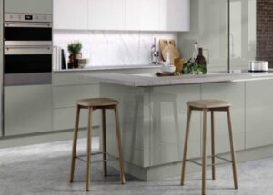 how to arrange bar stools in commercial area