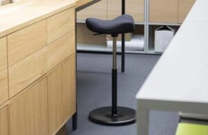 saddle bar stools height